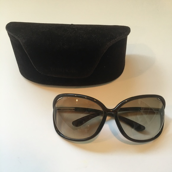 4c9b370fcf65 Tom Ford Brown Raquel Oversized Sunglasses. M 5b205fd4df030777e97e2f7e